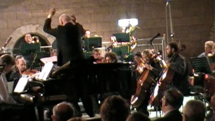 Thomas Gunther with the Bari Symphony