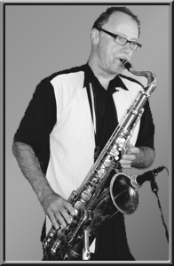 Steve Eisen playe Saxophones on the Swing Fever Song