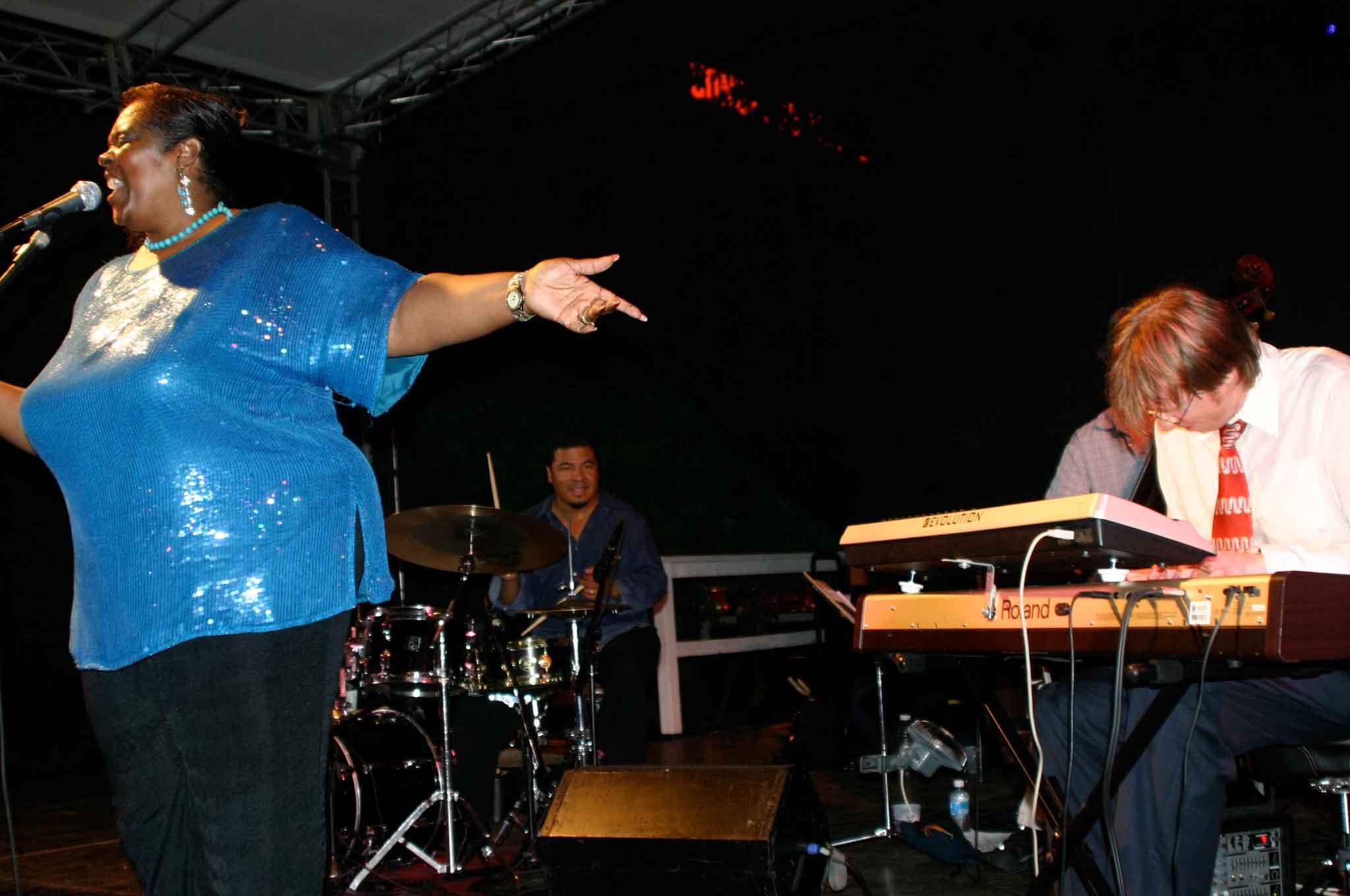 Thomas-Gunther-Trio-Live-Chicago-Summer-Dance-4