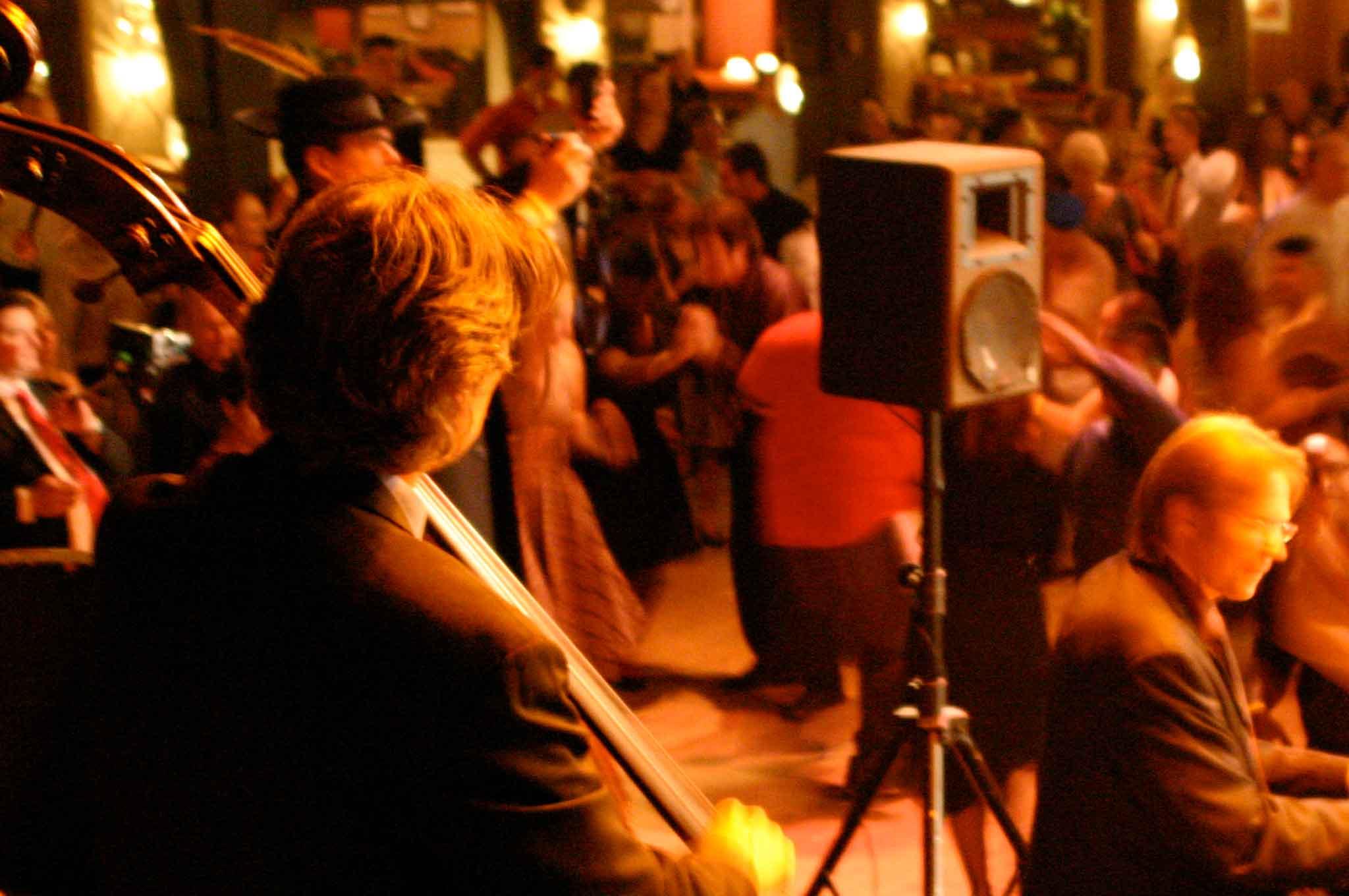 Thomas-Gunther-Trio-Live-at-Willowbrook-2