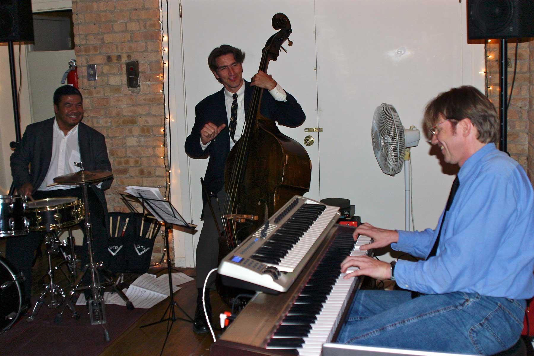 Thomas-Gunther-Trio-at-Big-City-Swing-Chicago(Web)